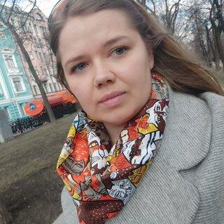 Анна Толстых