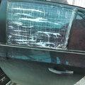 Замена бокового стекла автомобиля