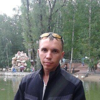 Артем Азаренко