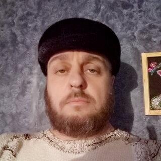 Руслан Волохов