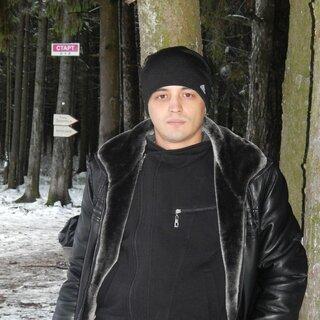 Артем Момотов