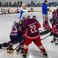 Занятие по хоккею