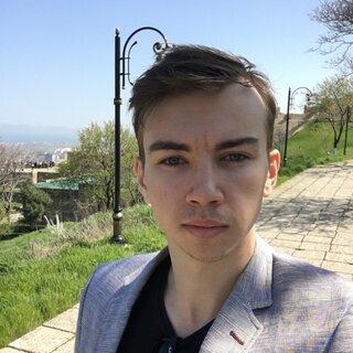 Александр Селенков