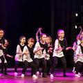 Занятие по эстрадным танцам