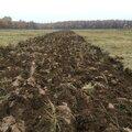 Вспашка земли, участка, огорода плугом трактором или минитрактором