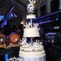 Дизайнерское оформление тортов, авторские торты на заказ - любая категория сложности.