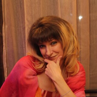 Елена Громова