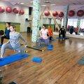 Занятия фитнесом для беременных с тренером: в группе – 2 варианта