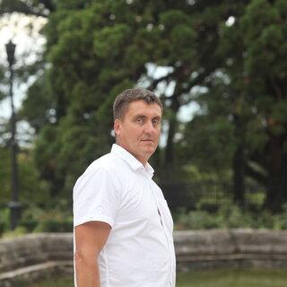 Сергей Слуцкий