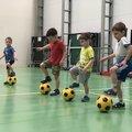 Занятие по футболу: в группе – 3 варианта