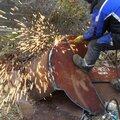 Демонтаж металлолома во дворе, спил труб, чермета