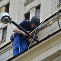 Замена лампочек при высотных работах
