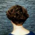 Женская модельная стрижка на короткие волосы