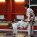 Занятие по карате: в группе – 2 варианта
