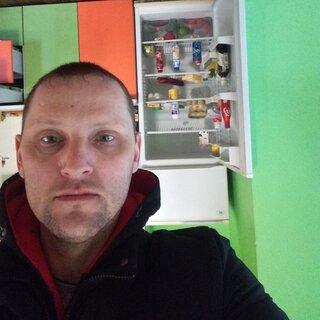 Виталий Левченко