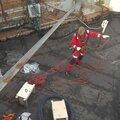 Монтаж электрокабеля при высотных работах